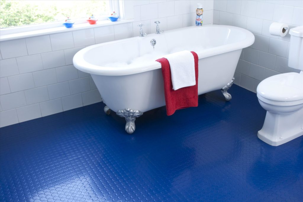 Резиновый пол в ванной